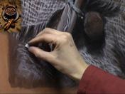 <strong>18 </strong>rea la textura de la tela manualmente con trazos directos